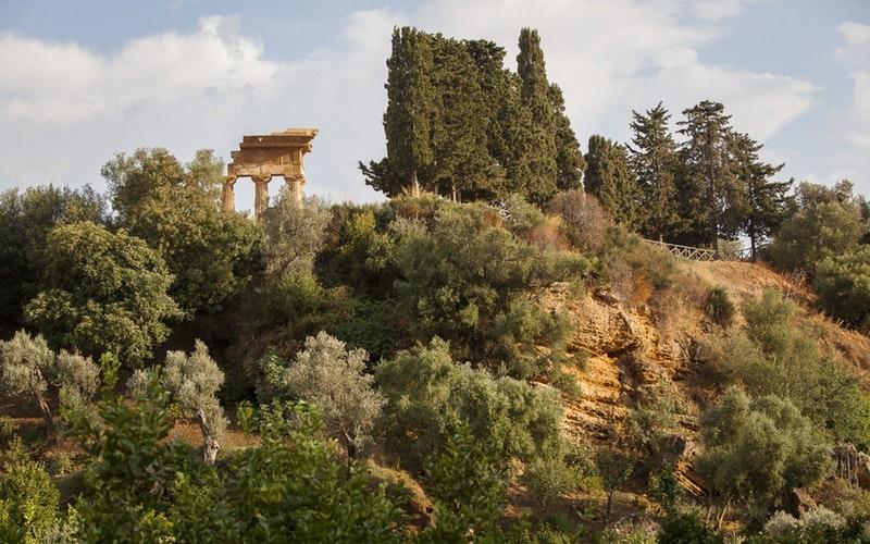 L'evento è realizzato dal FAI in collaborazione con la Farm Cultural Park di Favara ed il patrocinio del Parco Archeologico e Paesaggistico della Valle dei Templi di Agrigento